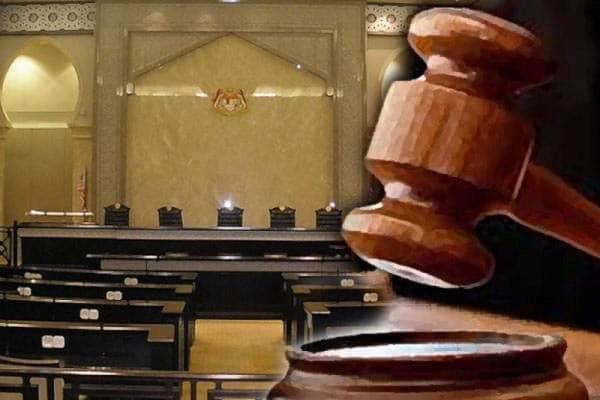 PKP : 8 didenda RM1000 kerana makan ayam belakang rumah