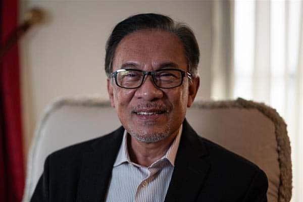 Anwar nafi dakwaan tak sabar nak jadi PM