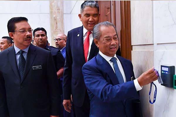 Muhyiddin dikuarantin, Ismail Sabri jadi pemangku PM?