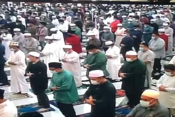 Setelah 2 bulan masjid ditutup, Brunei benarkan solat Jumaat dengan SOP ketat