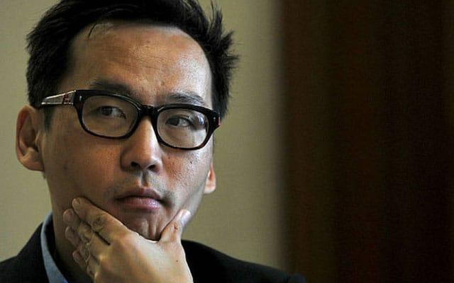 Apa beza Paulsen yang kritik institusi Islam dengan Wee Ka Siong?