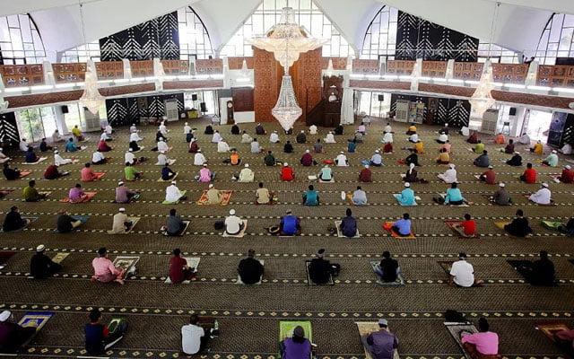 Solat Jumaat 40 orang dibenarkan di masjid-masjid terpilih sekitar Selangor