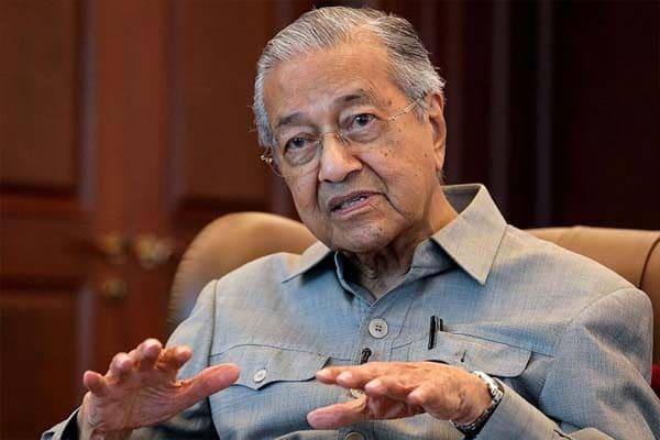 """""""Asalkan dapat nikmat okaylah"""", sindir Tun M kepada pengkhianat Bersatu"""