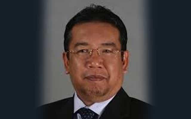 Setelah digasak pemimpin UMNO, Menteri Bersatu mohon maaf
