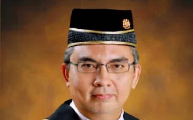 Sesuatu yang anda perlu tahu tentang Yang Arif Mohd Nazlan