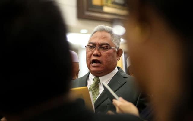 Pemimpin Umno pertikai tindakan Azmin jemput MB Selangor dan tidak jemput wakil PN