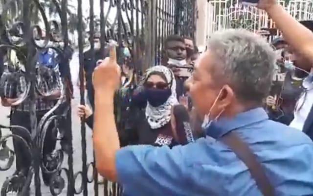 Penyokong Najib desak Umno keluar PN