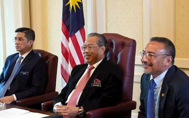 Analisa : Pelantikan Hishamuddin sebagai TPM adalah satu bentuk politiking Muhyiddin