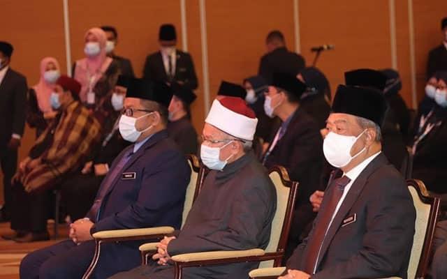 Menteri Agama positif Covid-19, turut hadir mesyuarat dengan PM