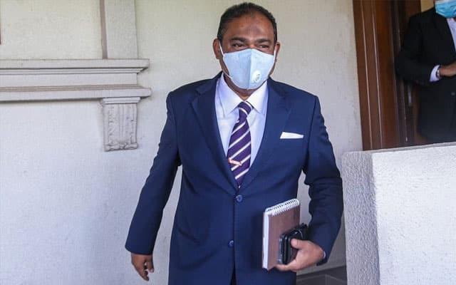 Abdul Azeez mohon batal 12 pertuduhan gubah wang haram dan rasuah