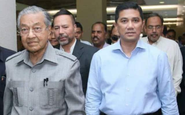 Panas !!! Pemimpin Umno pula dakwa Mahathir arah Azmin tubuh PN untuk 'hijack' MN