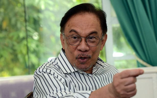 Sidang khas parlimen hanya atas persetujuan Agong – Anwar