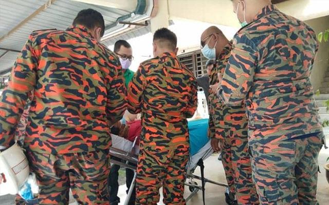 Lelaki berat 200kg diusung 7 ahli bomba dari tingkat 4 kondo ke hospital