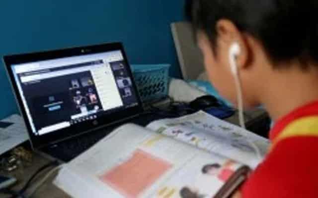 Laptop dijanji kerajaan tak muncul-muncul, pelajar mula cari wakil rakyat