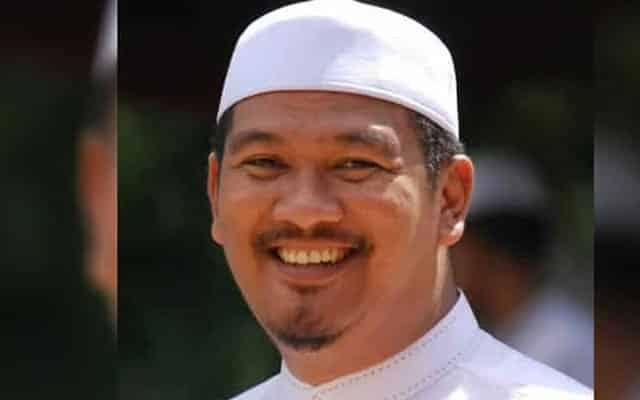 Dasuki titipkan nama pemfitnah dalam tadahan doa dan munajat solat hajat bersama dengan anak-anak tahfiz