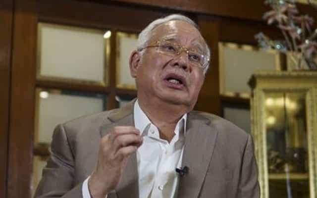 Umno terbuka dengan semua pilihan, termasuk kerjasama dengan 'musuh'